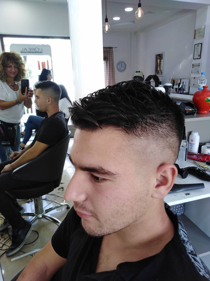 Barber - Αντρικό κούρεμα στα Touch Hair Salloon - Κομμωτήριο Λάρισα