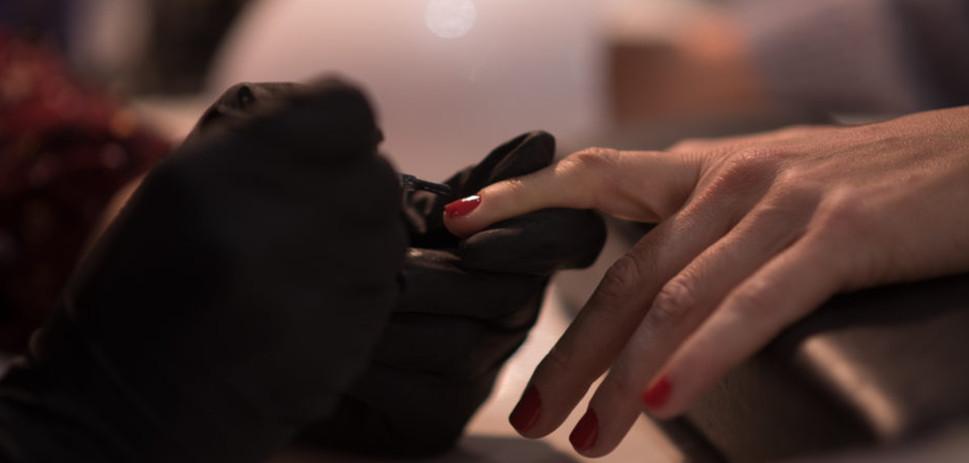 Manicure kommotiria Touch hair Salloon