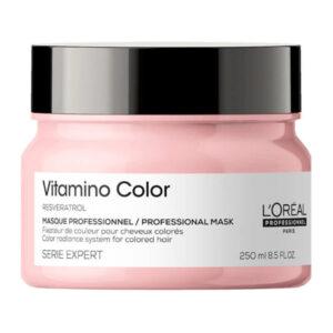 Η L'Oréal Professionnel Serie Expert Vitamino Color Μάσκα χάρη στην επαγγελματική της σύνθεση περιποιείται τα βαμμένα μαλλιά. Ιδιότητες • Περιποιείται ακόμα και τα πιο ευαίσθητα χρώματα • Εμπλουτισμένη με υψηλής περιεκτικότητας σε συστατικά περιποίησης απομακρύνει απαλά τους ρύπους και χαρίζει απαλότητα και λάμψη • Προσφέρει εντατική ενδυνάμωση από τη ρίζα έως τις άκρες • Χαρίζει 6x πιο αποτελεσματική προστασία του χρώματος από το ξεθώριασμα Τρόπος εφαρμογής • Εφαρμόστε σε ταμποναρισμένα μαλλιά • Αφήστε για 3-5 λεπτά • Ξεβγάλετε καλά με άφθονο νερό